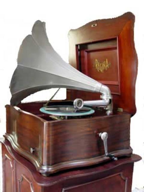 """28½"""" x 24"""" x 13"""" high (ex horn) Meekins Collection"""